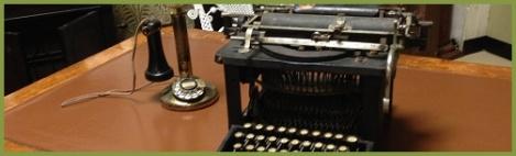 green_old typewriter